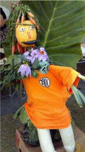 野菜で作ったかかしで地産地消運動をPR!